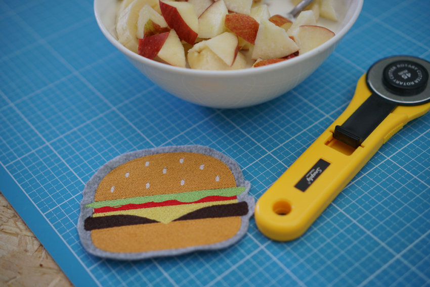 2017-04-embroidery-design-makema-hamburger-01