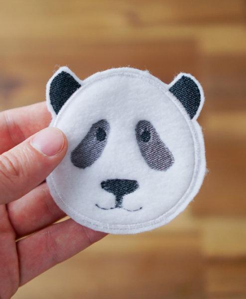 auge - 2017 04 11 embroidery design makema panda 16 494x600 - Panda Applikation