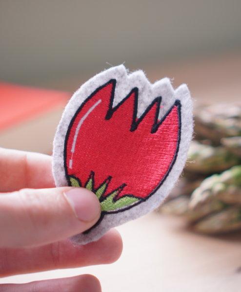 - 2017 04 11 makema embroidery tulip 494x600 - Tulpe