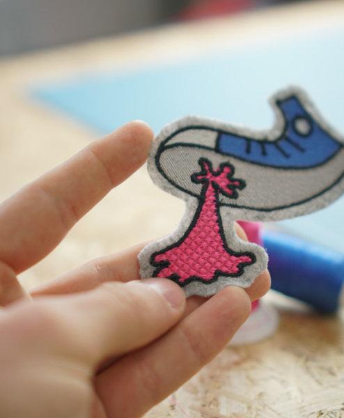 Turnschuh mit Kaugummi 2017 04 embroidery design makema converse gum 03 1 494x600