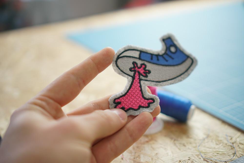 - 2017 04 embroidery design makema converse gum 03 1 - Turnschuh mit Kaugummi