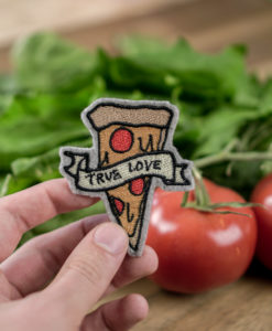 "Pizza - 2017 05 makema embroidery design stickdatei herunterladen 23 pizza true love 247x300 - Pizza ""True Love"""