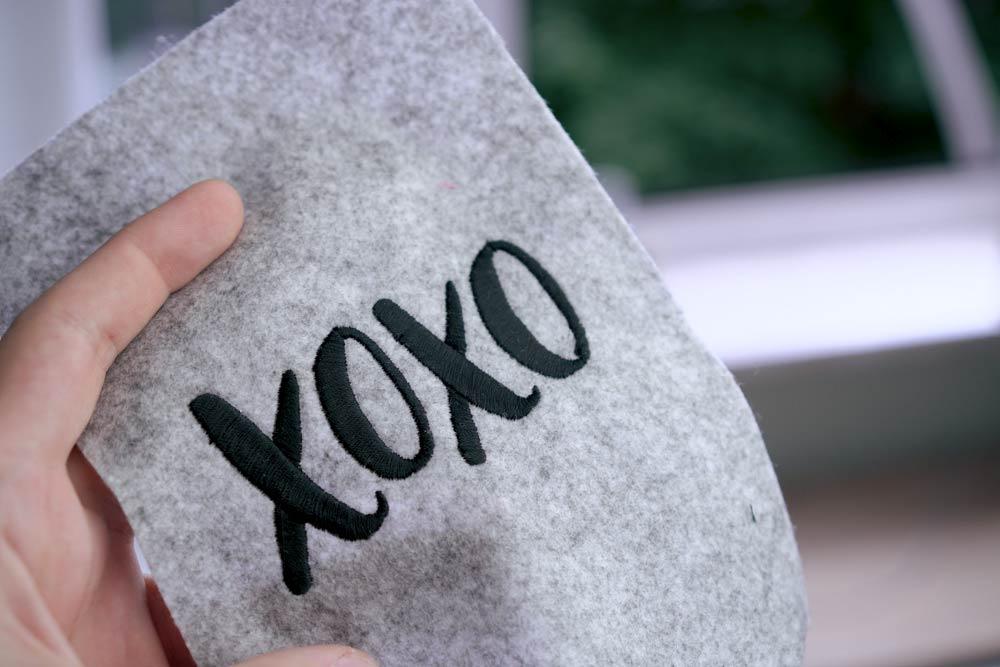 "xoxo - 2017 05 makema embroidery design stickdatei herunterladen calligraphy 00000 xoxo - Schriftzug ""xoxo"""