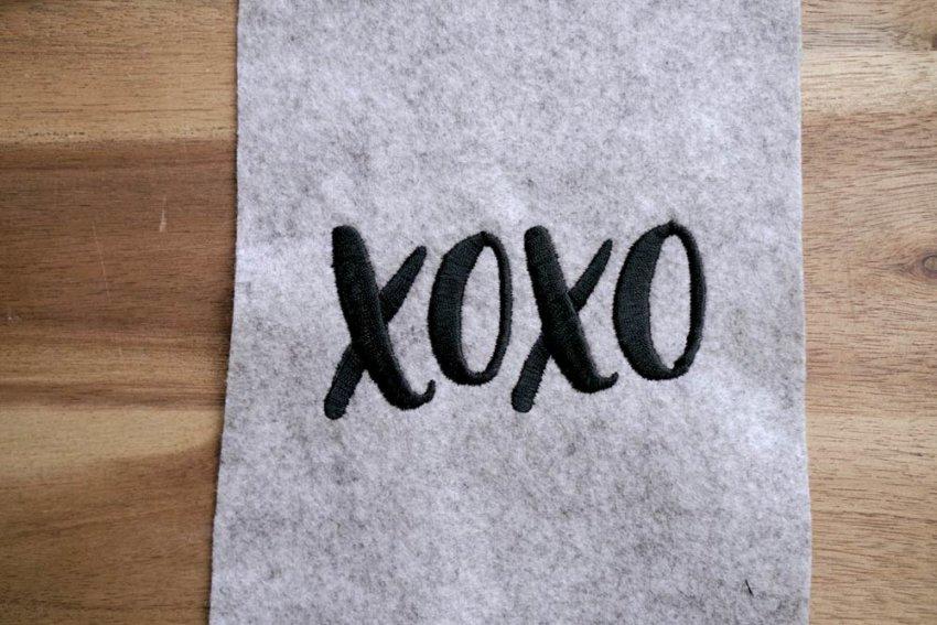 2017-05-makema-embroidery-design-stickdatei-herunterladen-calligraphy-00001-xoxo