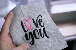 2017-05-makema-embroidery-design-stickdatei-herunterladen-calligraphy-00005-love-you