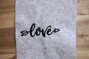 2017-05-makema-embroidery-design-stickdatei-herunterladen-calligraphy-00007-love
