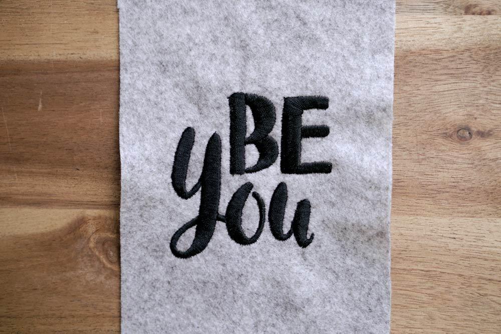 2017-05-makema-embroidery-design-stickdatei-herunterladen-calligraphy-00011-be-you