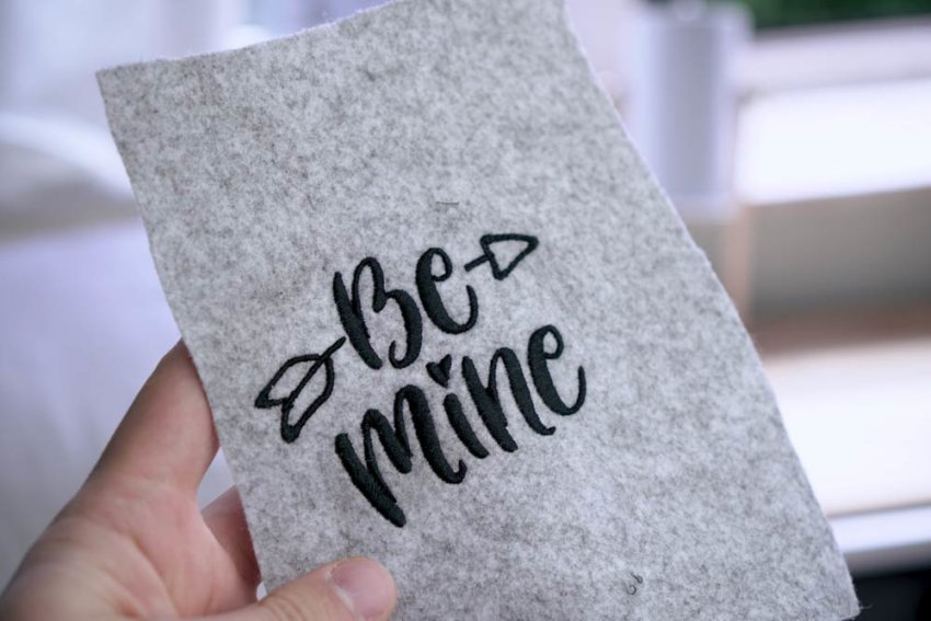 Be Mine lettering as embroidery design, handlettering