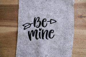 2017-05-makema-embroidery-design-stickdatei-herunterladen-calligraphy-00013-be-mine