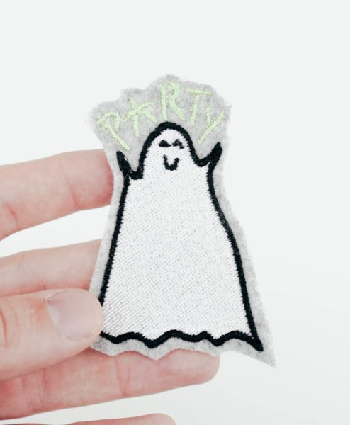 Stickdatei Gespenst stickdatei gespenst - 2017 09 stickdatei embroidery design halloween 01 00017 494x600 - Gespenst