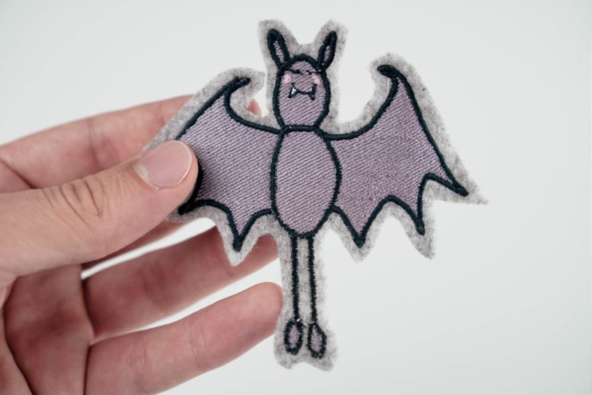 download halloween bat embroidery design