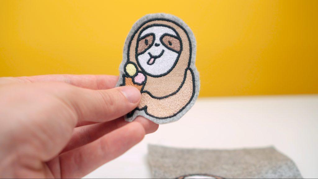 Sticktipps für Stickmaschine: Grau meliertes Bastelfilz zum Patches sticken.