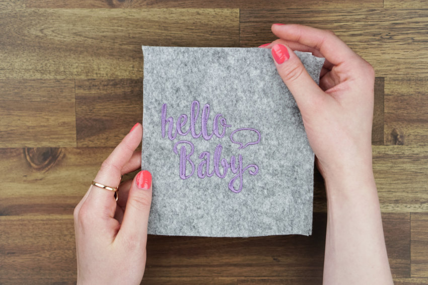 machine embroidery design maternity log »hello baby«