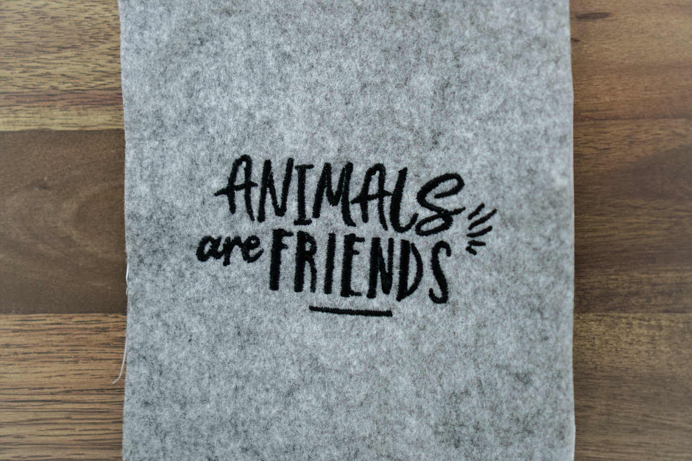 Stickdatei kostenlos stickdateien tiere 🐽 17x Stickdateien Tiere + BONUS Stickdatei GRATIS 🌟 stickdatei animals are friends 1400x933