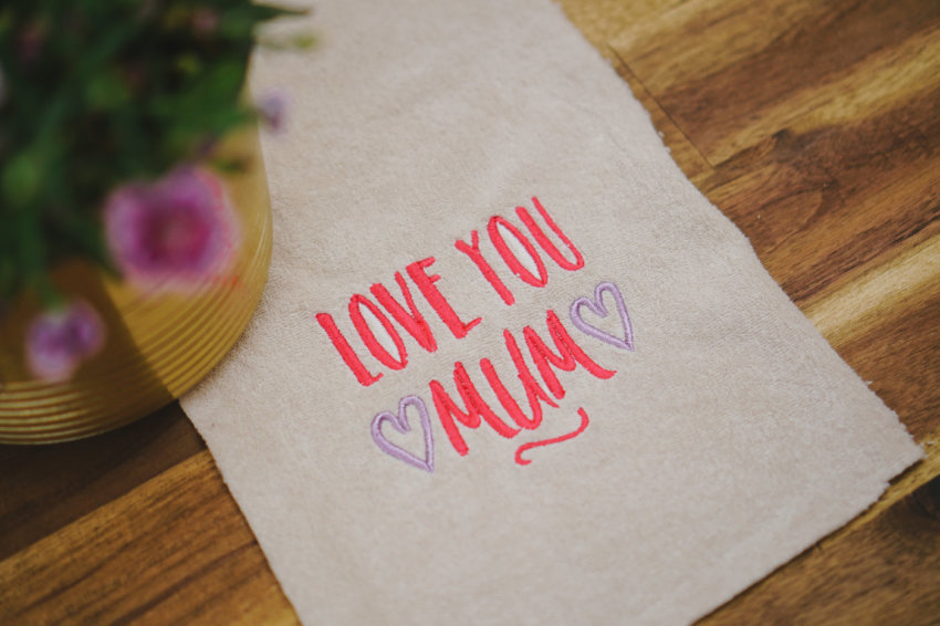 download embroidery design »Love you Mum«