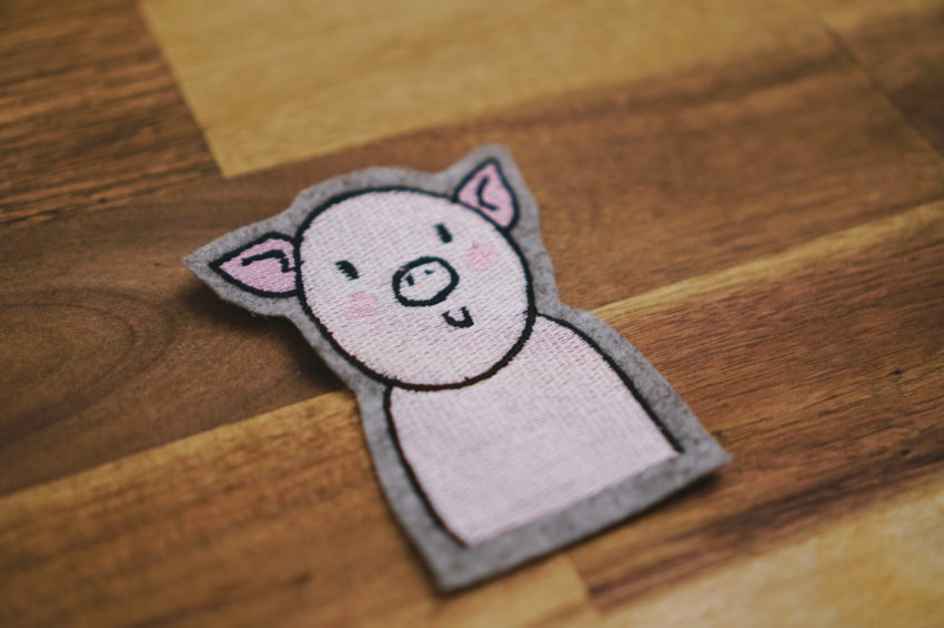 machine embroidery pig designs