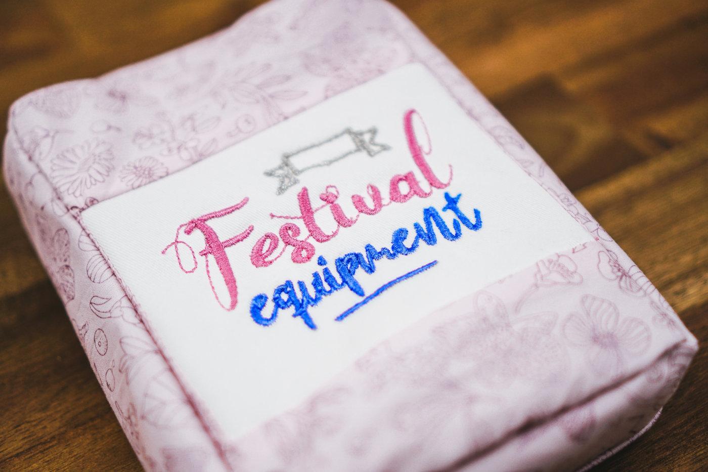 Festival Stickdatei [object object] Stickdatei »Festival equipment« + GRATIS Schnittmuster Bauchtasche ✨❤️ stickdatei festival equipment 02 1400x933