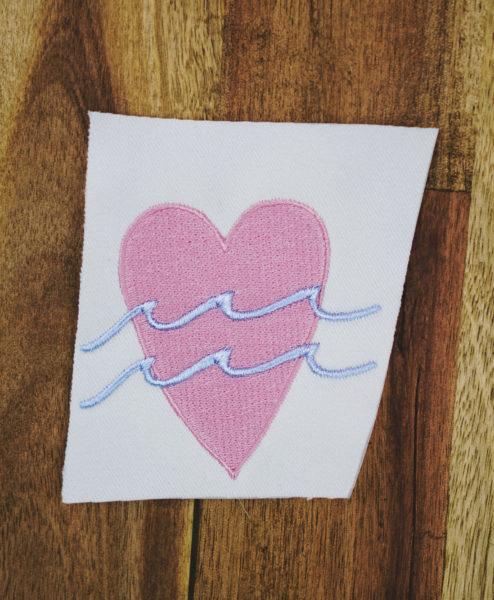 Stickdatei Herz / Liebe (Anwendungsbeispiel) stickdatei herz Herz mit Welle 🌊 stickdatei herz ocean love 01 494x600