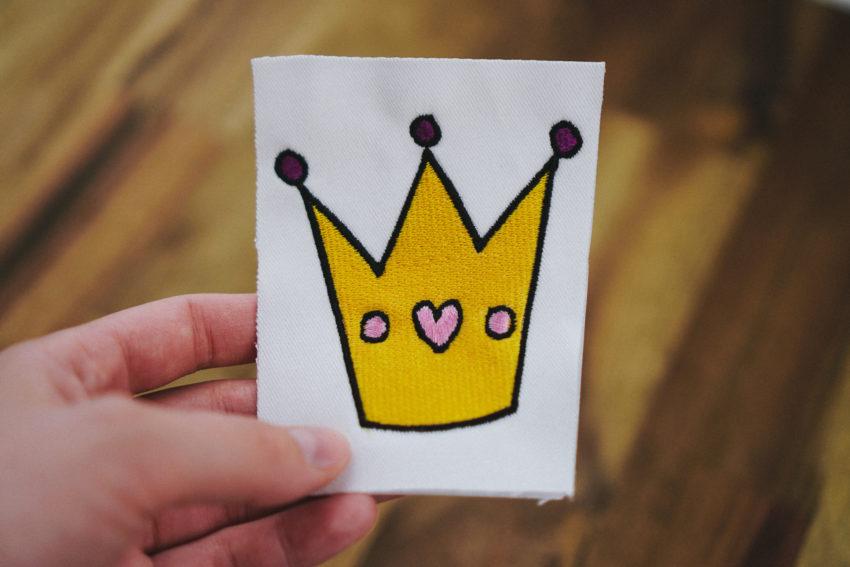 Stickdatei Prinzessin Krone (Anwendungsbeispiel)