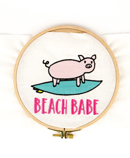 Stickdatei Schwein Surfing [object object] Beach Babe 🐷🌊 stickdatei schwein surfing 01 494x600