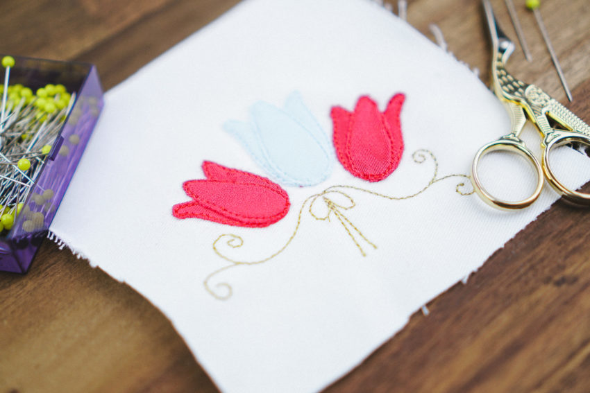 embroidery design tulip applique