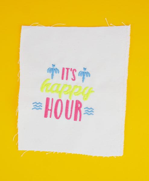 Stickdatei »IT'S HAPPY HOUR« stickdatei happy hour Handlettering »IT'S HAPPY HOUR« stickdatei cocktail happy hour 01 494x600
