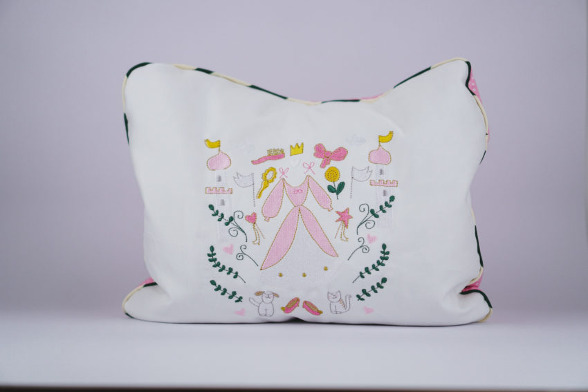 Machine embroidery design princesses »Must haves«