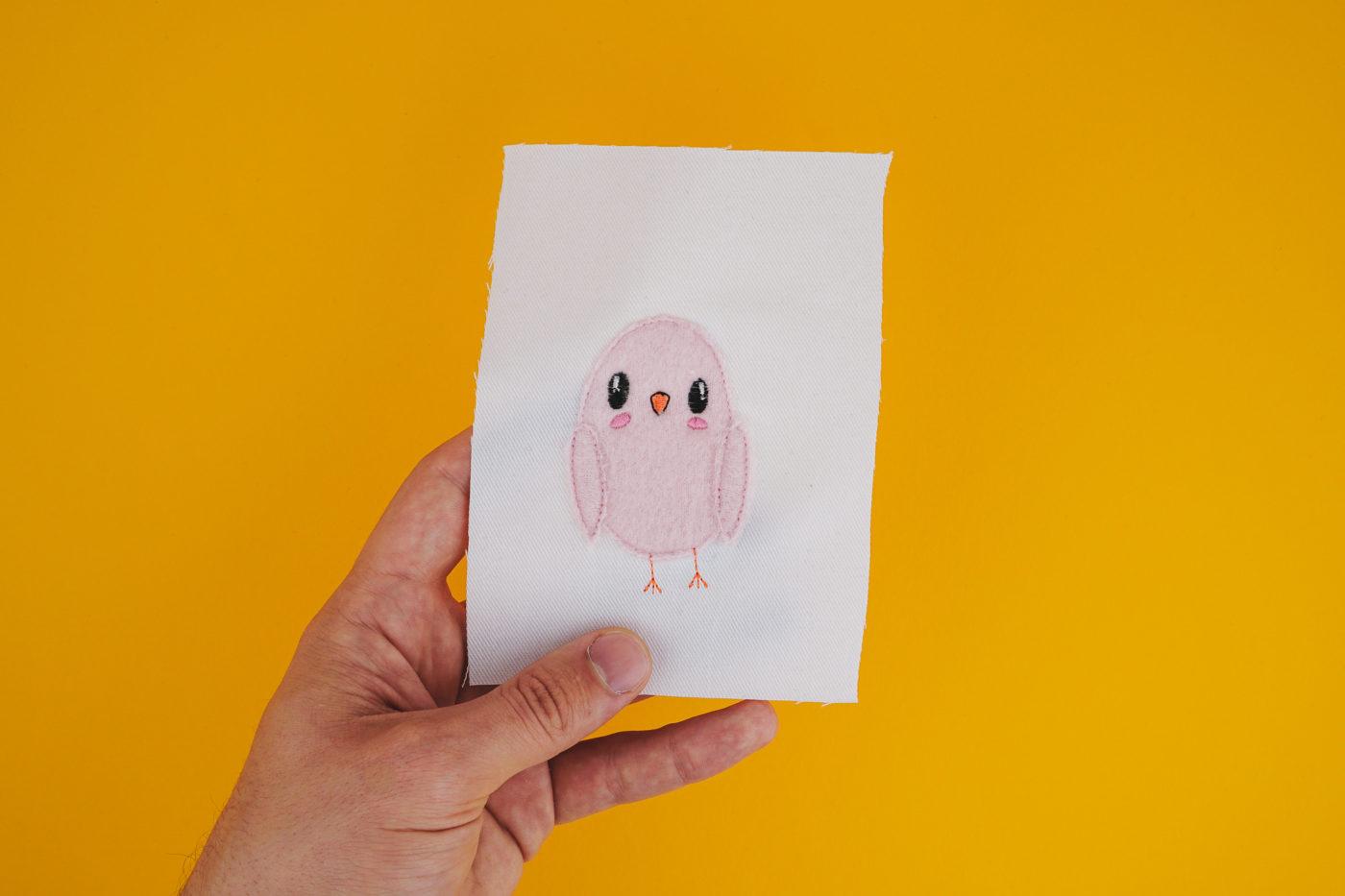 Stickdatei Vogel »Birdy« aus der Kollektion Fluffie&Fans sternschnuppen 2018 »Birdy« 🐥 by Fluffie&Fans stickdatei vogel fluffie 02 1400x933
