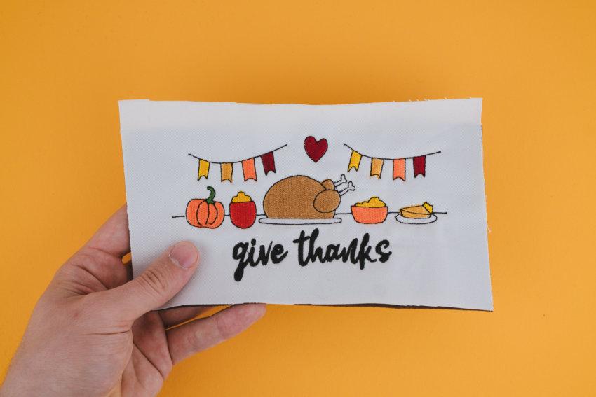 Stickdatei Give Thanks (Anwendungsbeispiel)