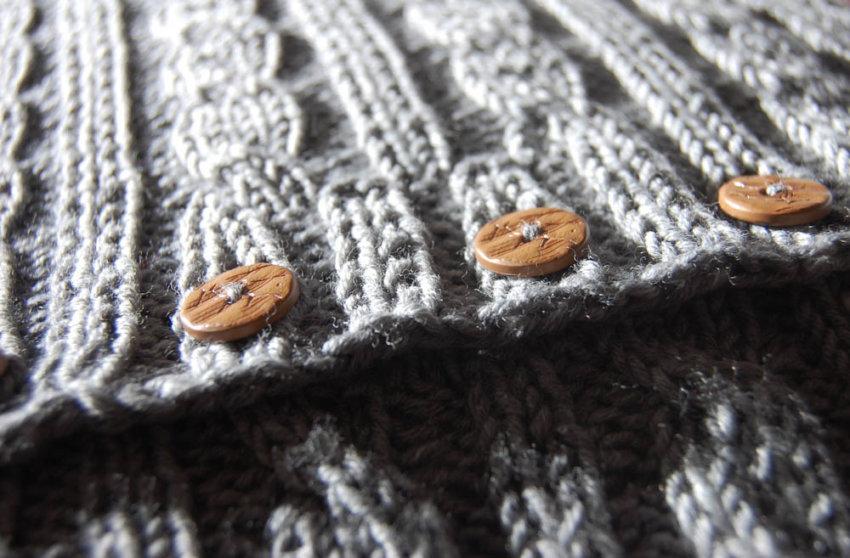 Kissen stricken mit Knöpfen