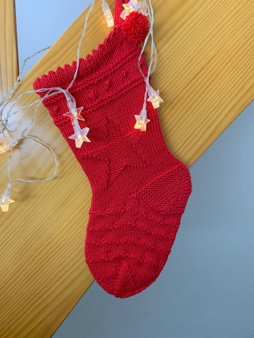 weihnachten-im-strumpf-weihnachtssocke-stricken-julestrompe-03