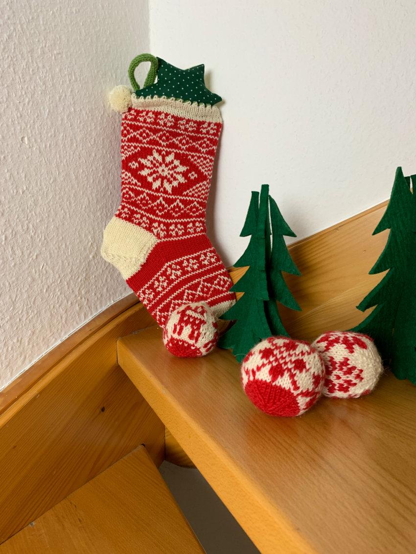 Weihnachtssocke stricken »Joulusukka« Anleitung